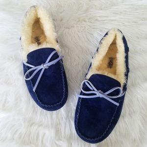 Ugg navy blue dakota moccasin slippers